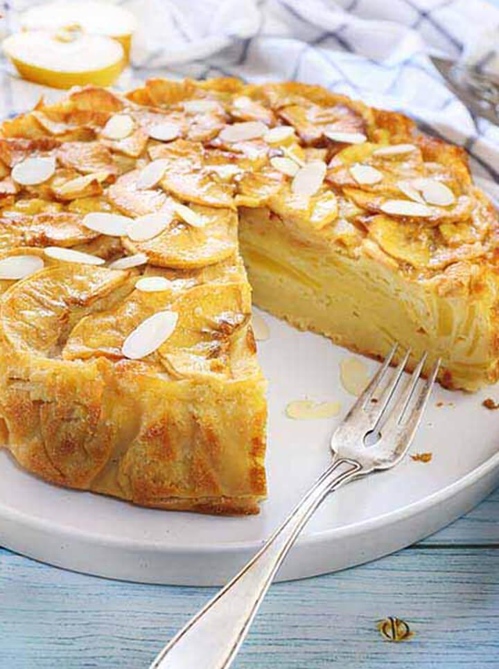 Torta di mele soffice e senza glutine alle mandorle