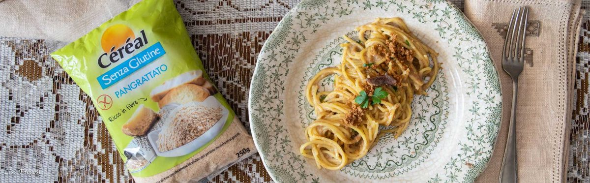 ricetta spaghetti con acciughe e pangrattato
