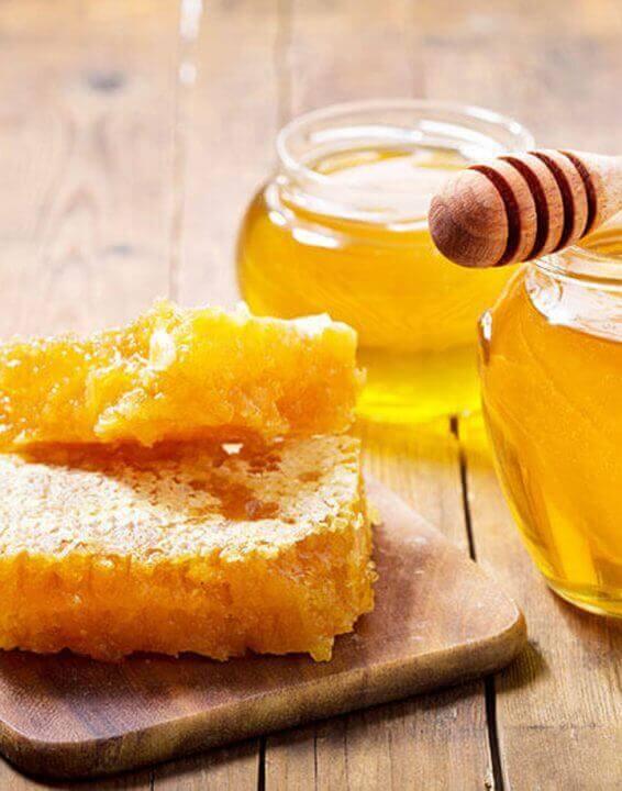 Nella dolcezza del miele si nascondono tanti magnifici benefici