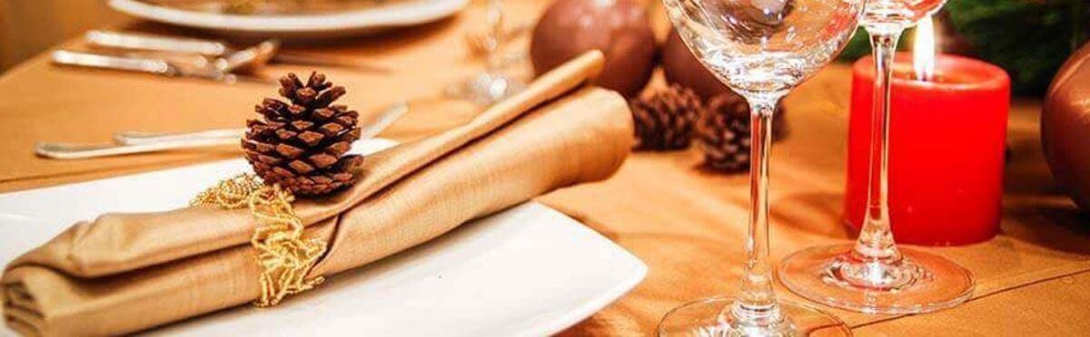 Come apparecchiare la tavola a Natale: 6 consigli veloci